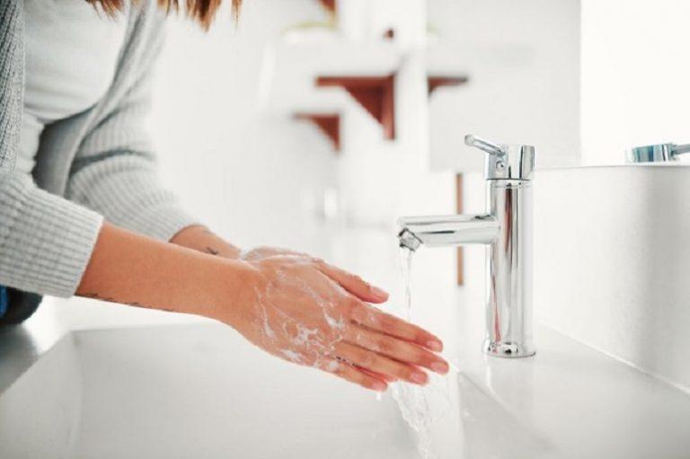 洗完手用乾手機隨時污糟過洗手前